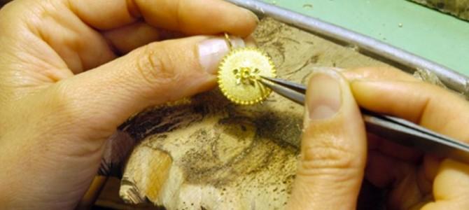 La spilla di Oliena, uno dei gioielli più ricercati dell'Isola