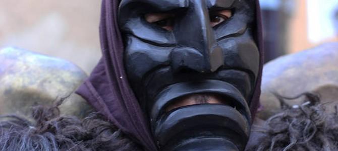 Mamuthones, Merdules e Thurpos: legno locale per le maschere