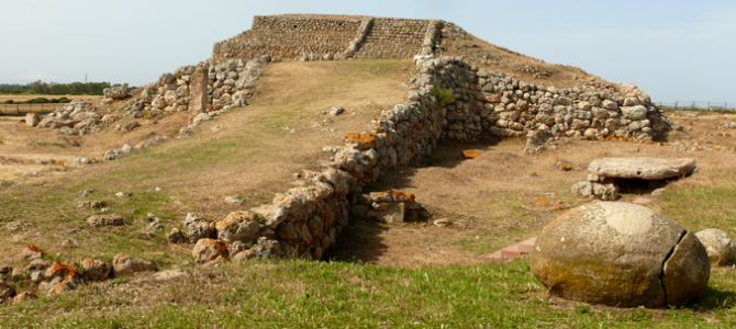 On the Monte Accoddi a pre-historical altar similar to the ziqqurat
