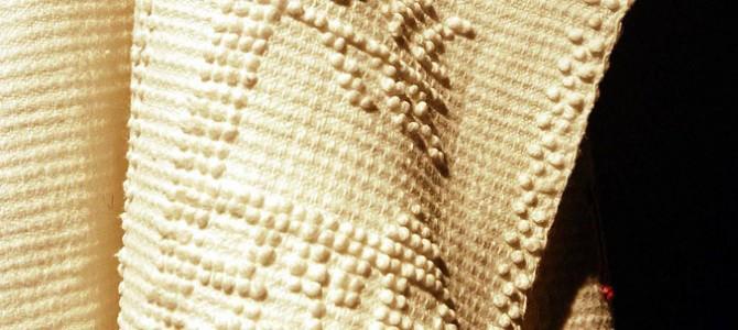 Tecnica a pibionis per lavorare i tessuti di Sardara