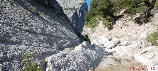 Grotte e canyons richiamano gli speleologi da tutto il mondo