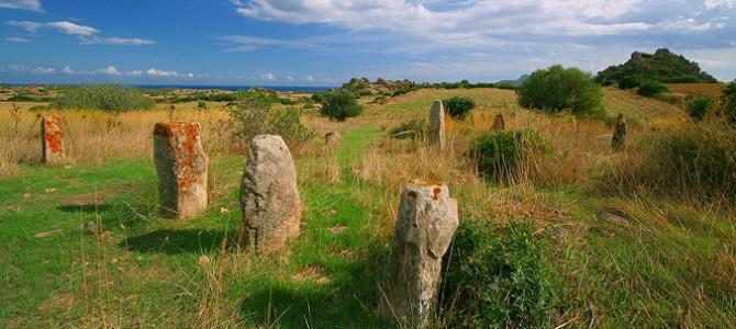 Dans le Sarrabus numbreux sites de menhirs