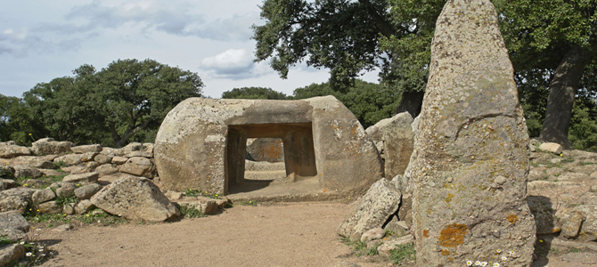 Necropolis in Sardinia, millenary testimonies of antique burial