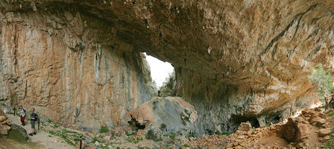 Il villaggio nuragico Tiscali, roccaforte facilmente difendibile e nascosta agli occhi indiscreti
