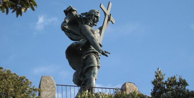 Il Monte Ortobene e l'opera del redentore in bronzo