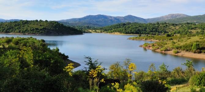 Il lago Alto del Flumendosa, inserito in un paesaggio incontaminato